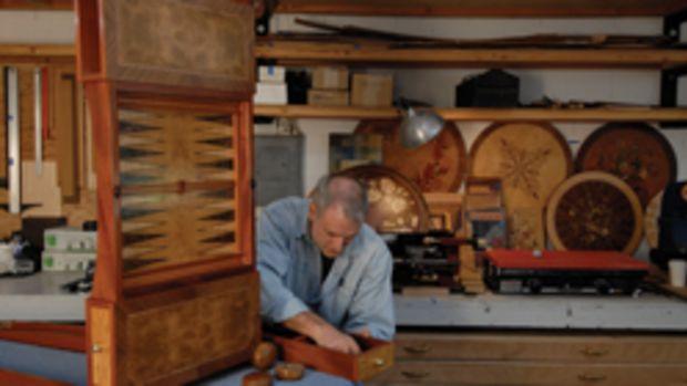 Veneer artist Paul Schürch.