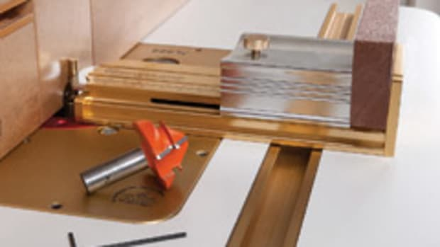 The GrooveCenter uses the router arbor as its reference point to find the stock's exact center.