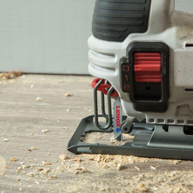 LXB406T-Lenox-Power-Blast-Jig-Saw-nail-embedded-wood-application-lifting-floorboards-closeupx860