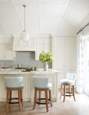 kitchen-with-matching-island