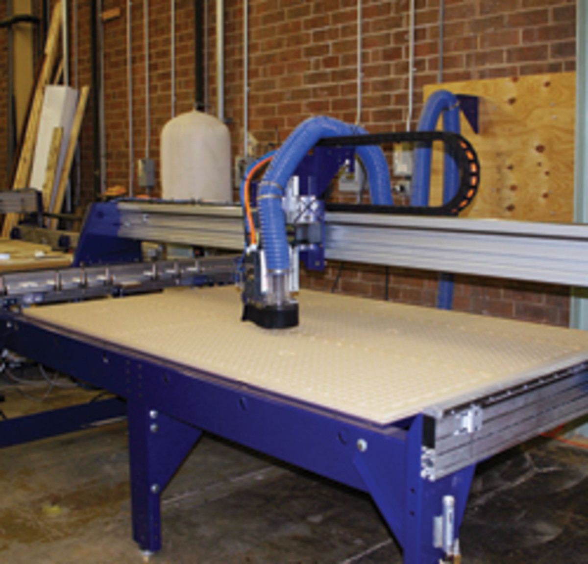 ShopBot's new PRSalpha with the rails on the short side of the machine.