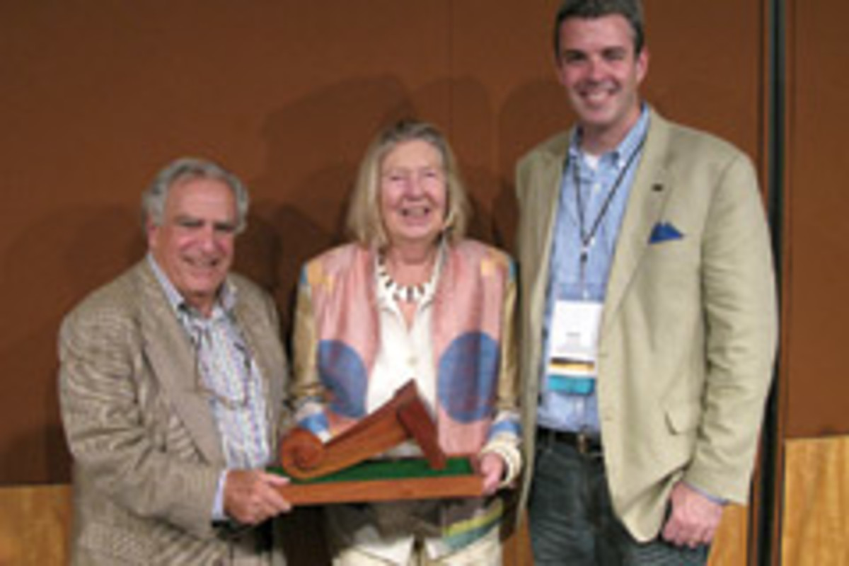 Vladmir Kagan, left, receives The Furniture Society's Award of Distinction.