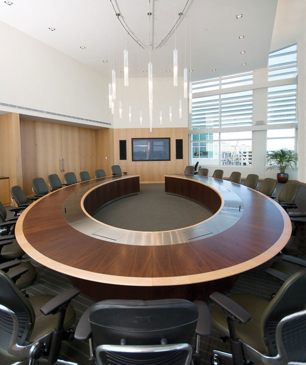 WallGoldfinger conference table