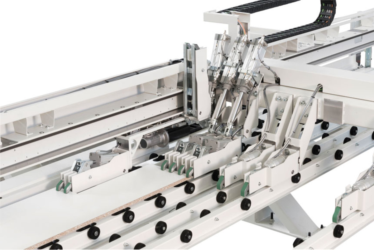 FlexCut is a system of arms, rollers, clamps and grippers.