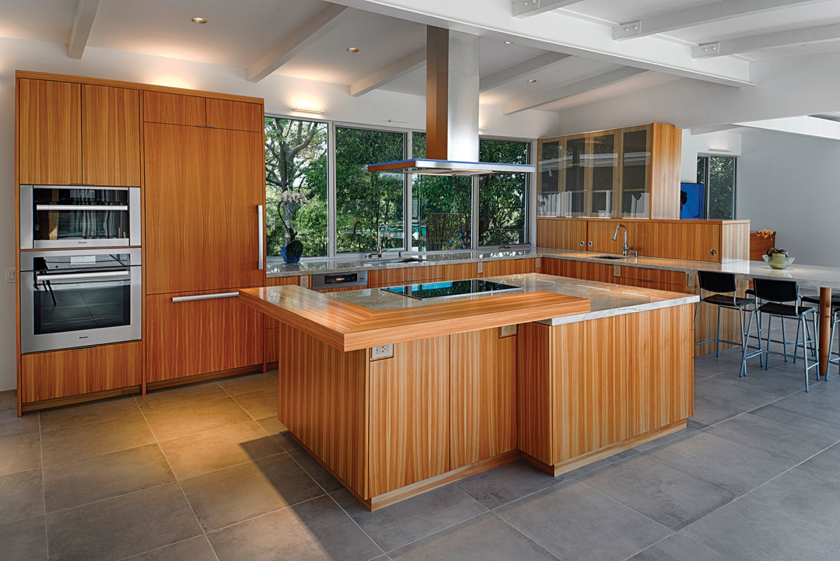 A two-tone Euro-style kitchen by Rivendell Woodworks.