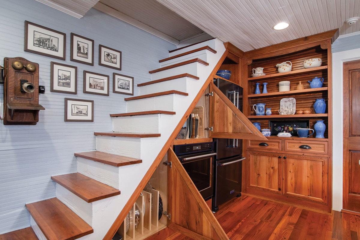 I)-Farm-house-using-reclaimed-wood-form-the-original-floors-of-the-home.