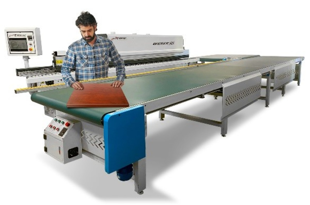 The 5G edgebander conveyor returns material up to 100 inches.