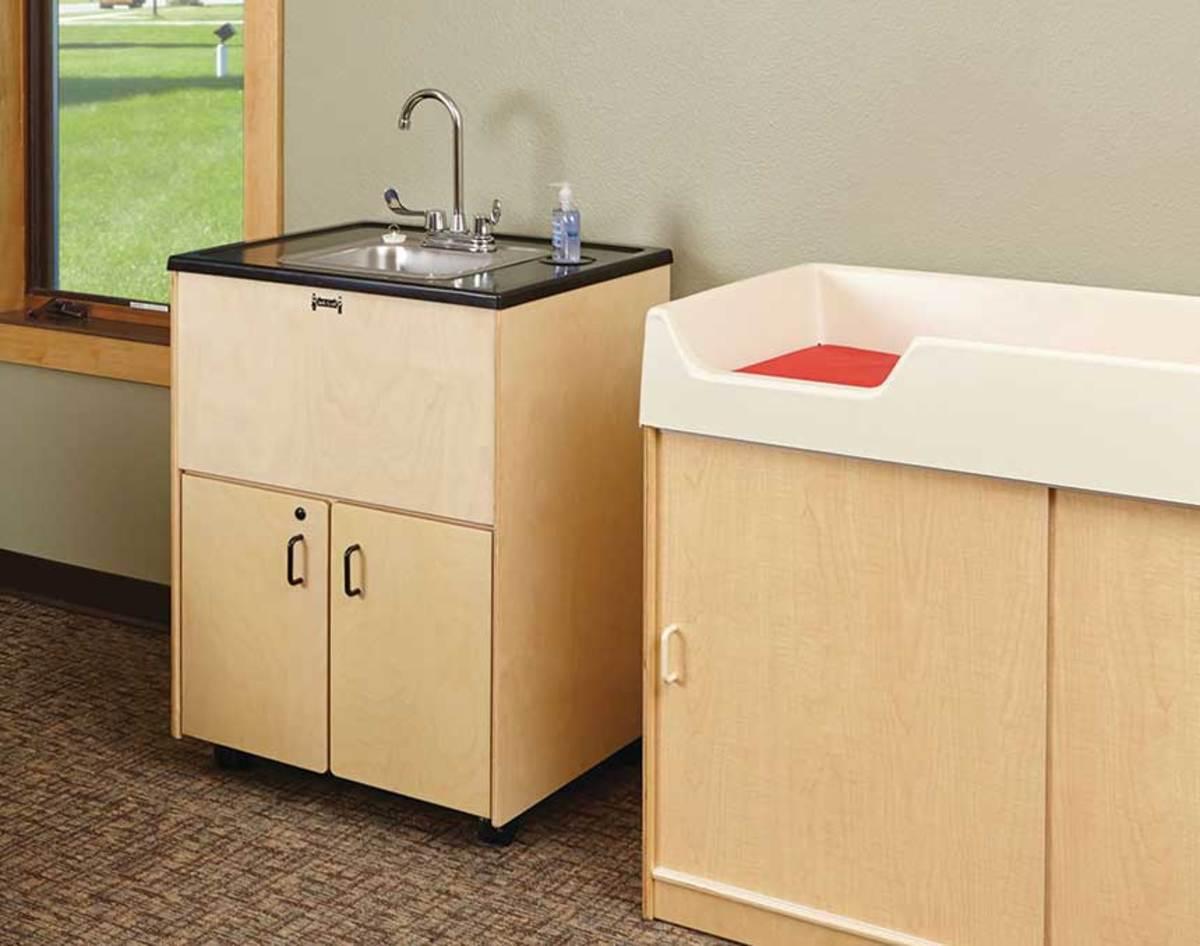 D)-Jonti-Craft-clean-hands-sinks