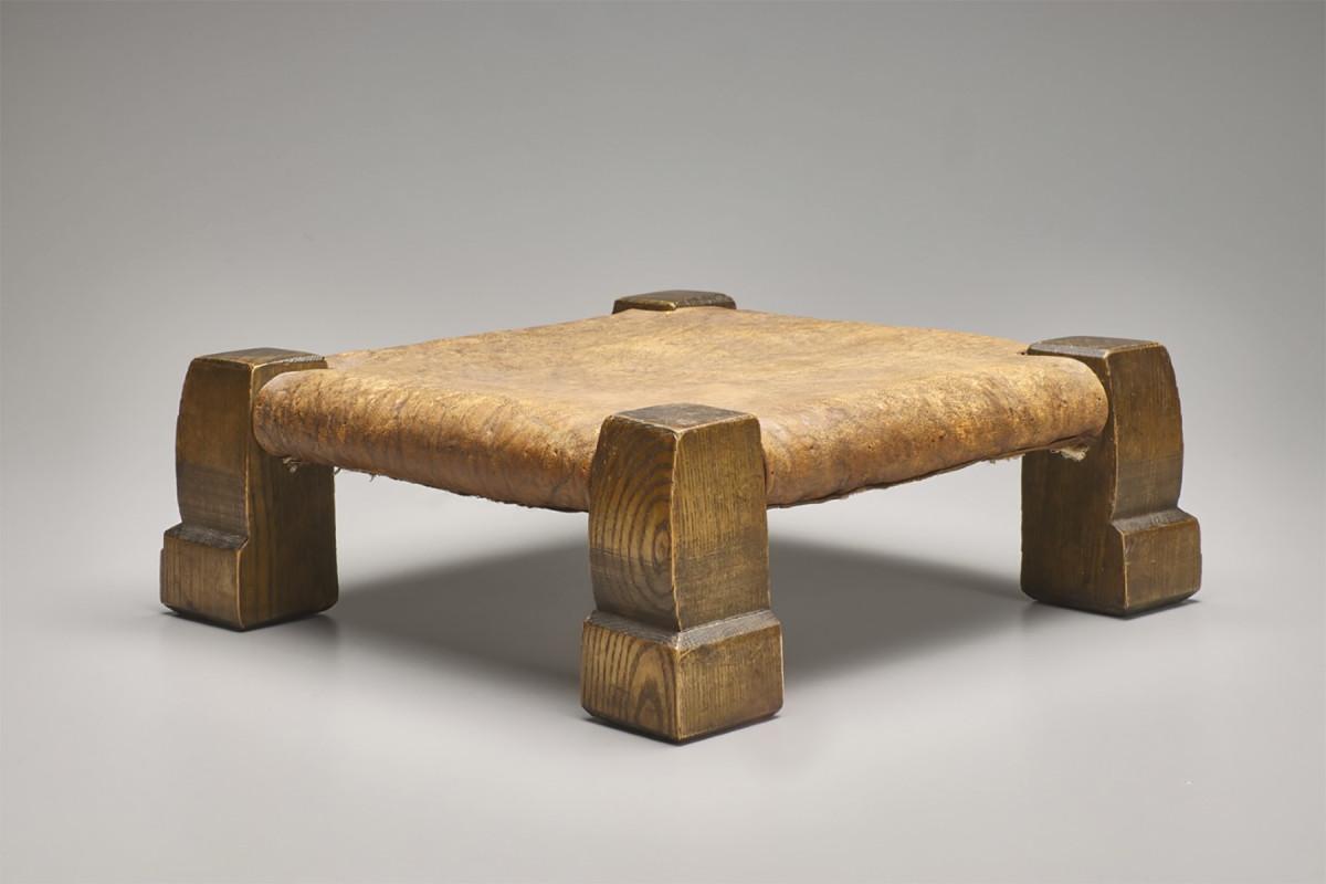 D)-United-Crafts-stool