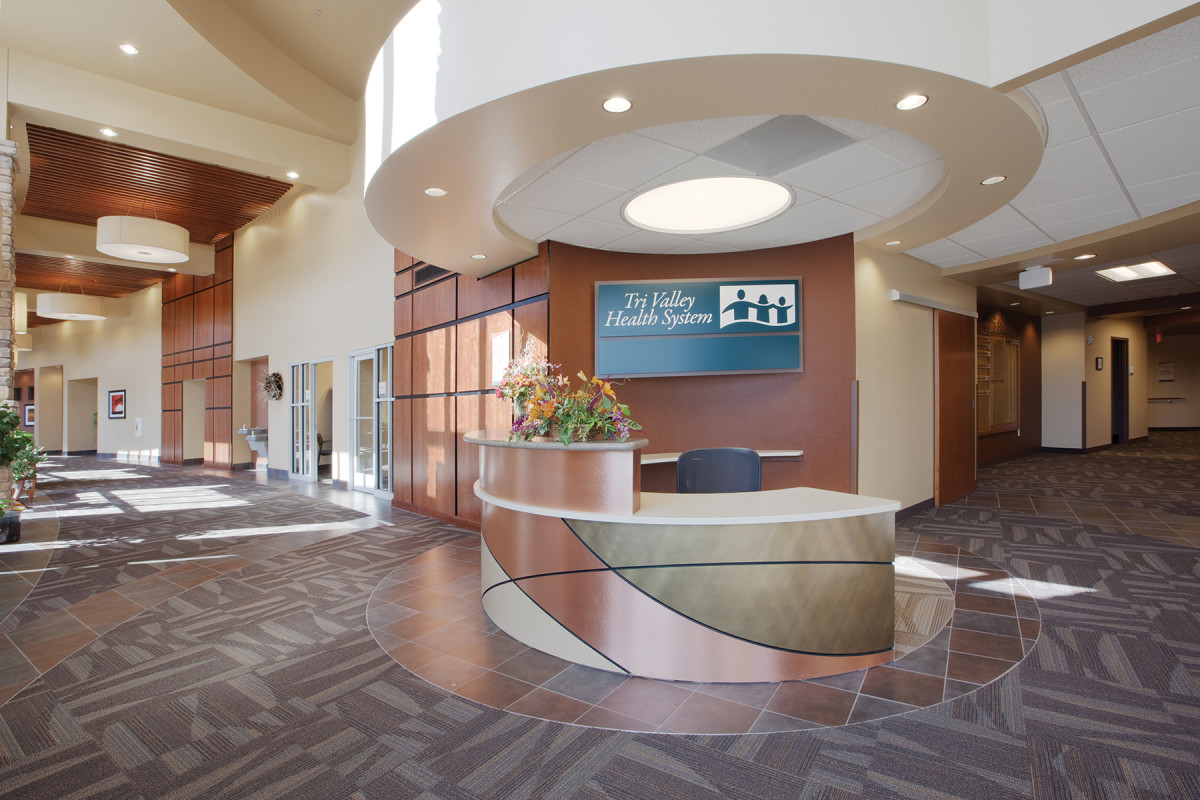 A)-Tri-Valley-Health-System-Reception-Desk