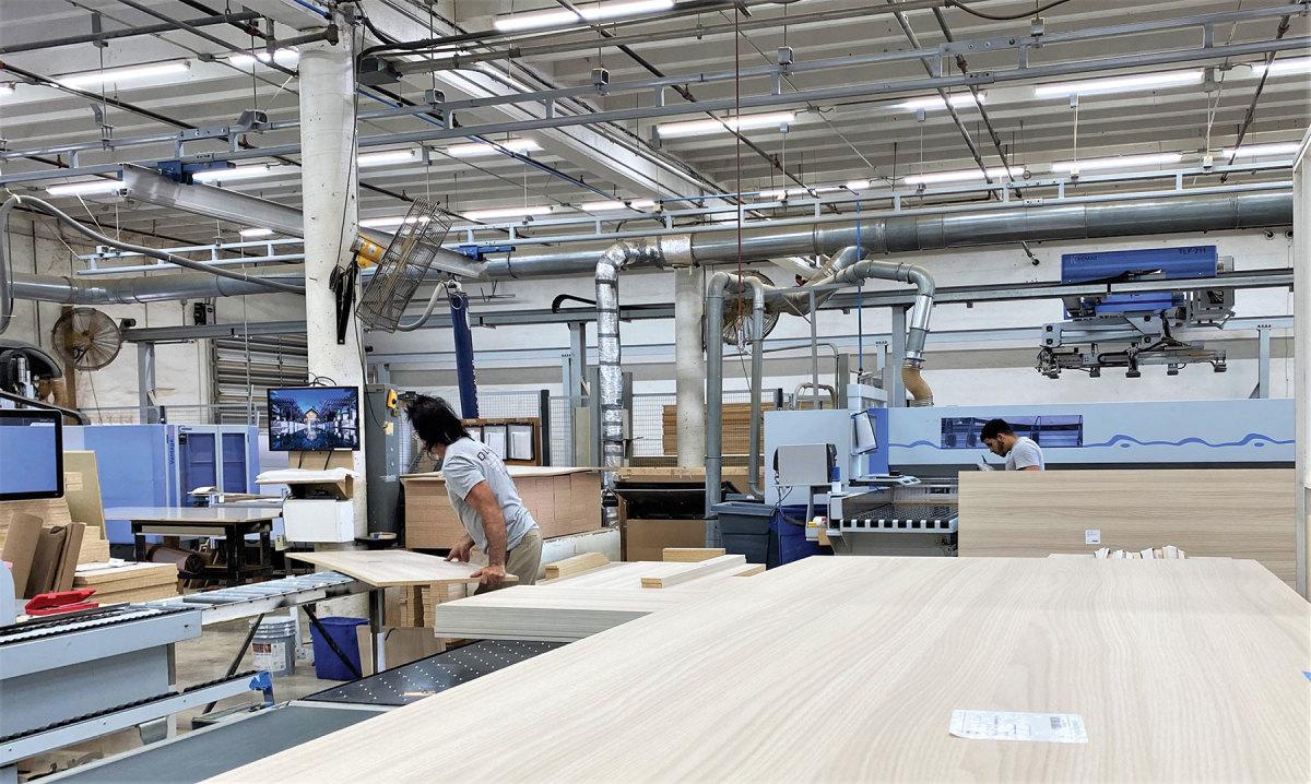 R)-Shop-machinery